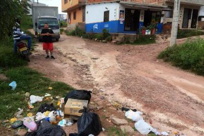 Mal manejo de los residuos: un problema de los barrios subnormales de Piedecuesta