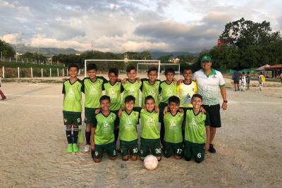 Este el equipo de Comfenalco, categoría sub 11, que representará a Santander en la final nacional de la Copa Herbalife, donde estarán los mejores elencos del país.
