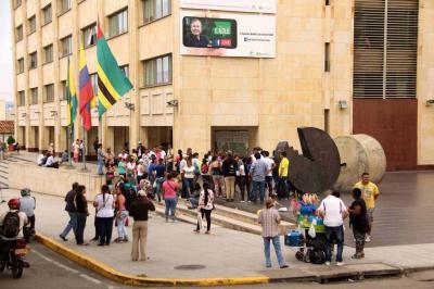 Polémica por reubicación de vendedores en espacio público