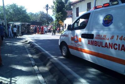Paso restringido por accidente de tránsito en la vía Socorro – San Gil