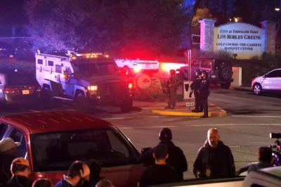 Doce muertos en un tiroteo dentro un bar en California