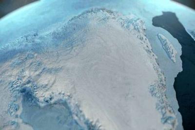 Descubren cráter gigante en Groenlandia que podría ser causado por impacto de un meteorito