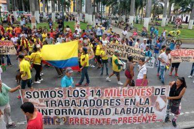Cuatro miradas al comercio informal de Bucaramanga