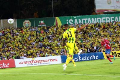 Esto les dijo Brayan Rovira, jugador del Bucaramanga, a los hinchas de Nacional