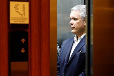 Iván Duque, en 'jaque' político por el IVA