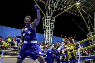 Colombiana Jessica Caicedo se llevó la plata tras caer ante la china Wang en Nueva Delhi
