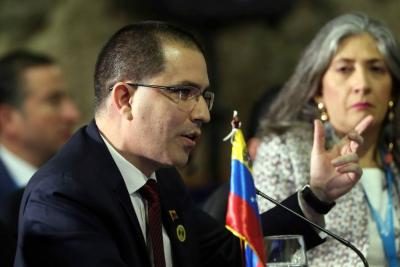 "Canciller venezolano tildó de ""expertos vividores"" a las autoridades colombianas"