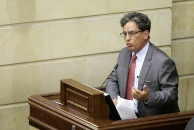 MinHacienda defendió reforma tributaria en primer debate en el Congreso
