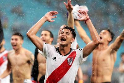 Una pareja argentina llama a su hijo River Plate en homenaje al equipo