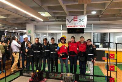 Santandereanos buscan recursos para representar a Colombia en mundial de Robótica