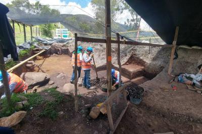 Hallan tumba y piezas arqueológicas en carretera entre Curos y Málaga