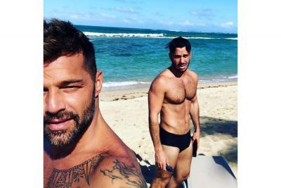 La sexy foto de Ricky Martin y su esposo en la playa