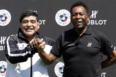 Pelé sostuvo que Diego Maradona fue mejor futbolista que Lionel Messi y también criticó la actuación de Neymar.