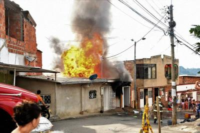$150 millones en pérdidas dejó incendio en fábrica de muebles en Bucaramanga