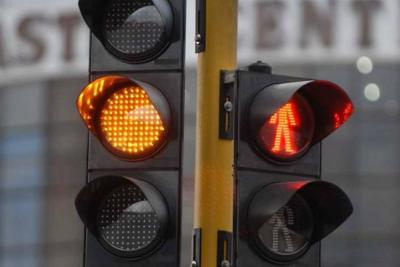 Falta de presupuesto y de mantenimiento tienen 'en rojo' a los semáforos de Bucaramanga