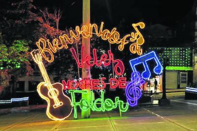 Luces en parques de Santander avivan la Navidad