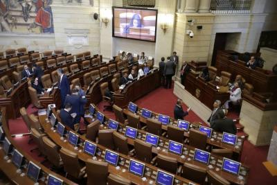 Reforma Tributaria pasó en Comisiones del Congreso con IVA a cervezas y gaseosas
