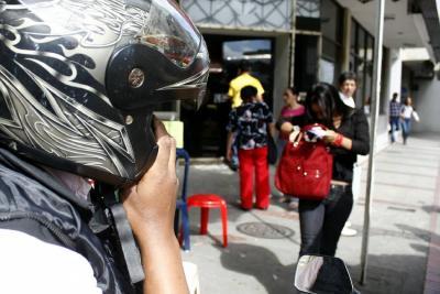 Joven resultó herida en intento de atraco en Bucaramanga