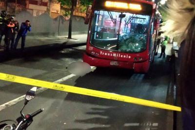 Joven murió atropellado por TransMilenio tras ser empujado