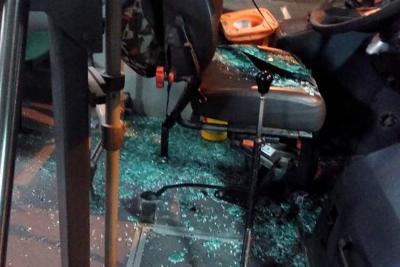 De nuevo atacan con piedra buses de Metrolínea, en Bucaramanga