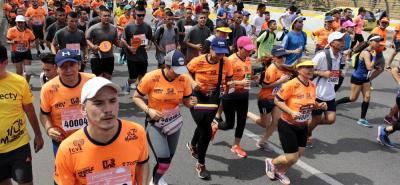 Vea las mejores imágenes del ¼ de Maratón de Bucaramanga 2017