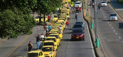 Estas son las imágenes de la protesta de taxistas en Bucaramanga