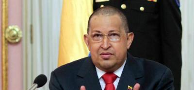 Hugo Chávez habla durante una ceremonia ante sus nuevos ministros en Caracas.