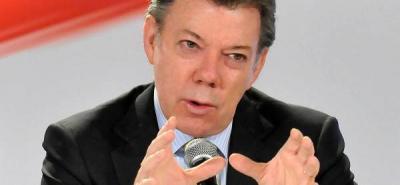 Santos afirmó que no responderá acusaciones del expresidente Uribe .