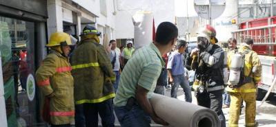 Voraz incendio se registró a las 9:45 en el centro de Bucaramanga.