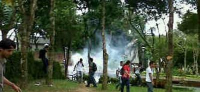 Ordenan evacuación en la UIS: comunidad universitaria pide poner control a la situación.