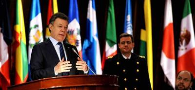"""El gobernante colombiano llamó a los países de la región a trabajar conjuntamente para lograr """"objetivos comunes"""" en un momento en que las turbulencias financieras azotan los mercados de medio mundo."""