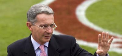 Uribe crea expectativa por su visita a la comisión de acusación