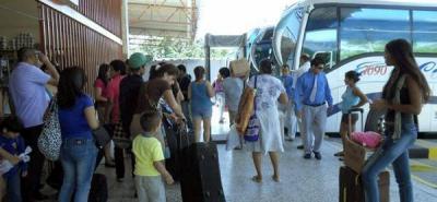 Al cierre de esta edición se mantenían suspendidas las operaciones de ventas de tiquetes. De igual forma, cerca de 100 transportadores permanecían reunidos en la Terminal de Transporte de Bucaramanga.