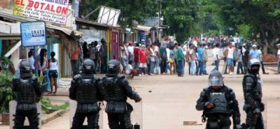 Trabajadores petroleros bloquean vías de Puerto Gaitán en el Meta