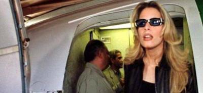 La mujer que se hizo famosa por entrar al grupo de abogados de Saddam Hussein, presentó una denuncia por 'crímenes de guerra' contra la Otan por la muerte de cuatro miembros de su familia, entre ellos, su hermano Saif al Araba y su propia hija.