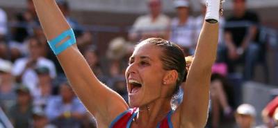 Pennetta da la campanada y echa a Sharapova del torneo