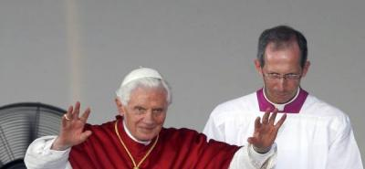 El papa expresa su pesar por las víctimas en un accidente aéreo en Chile
