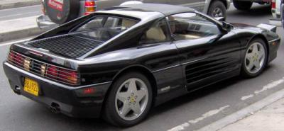 El automóvil negro,  modelo de 1991 con tan solo 800 kilómetros de recorrido,