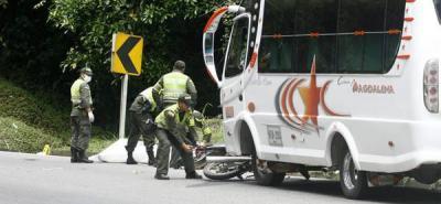 Colisión en vía a La Fortuna dejó un muerto y un herido