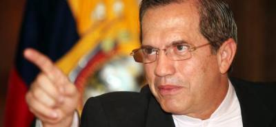 Ecuador no presionará sobre orden de detención de altos mandos colombianos
