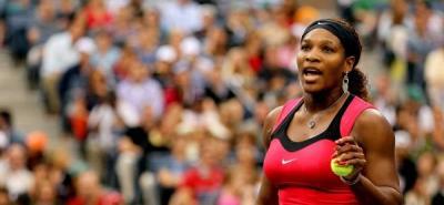 """Serena Williams recibe multa por """"abuso verbal"""" a una árbitro del US Open"""