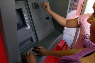Banco de Bogotá baja tarifas para transacciones en cajeros electrónicos