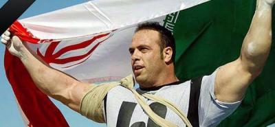 Ahorcan en público a un joven acusado de asesinato en Irán