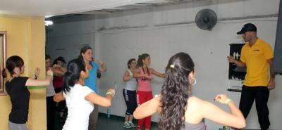 ¿Qué tal un entrenamiento deportivo con baile?