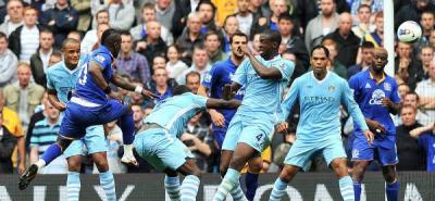 El Manchester City salva los tres puntos frente al Everton y se coloca líder