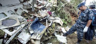 Un avión con turistas se estrelló y dejó 19 muertos en Nepal