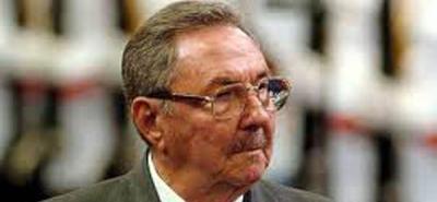 Raúl Castro reordena programa de trabajo social creado por su hermano Fidel