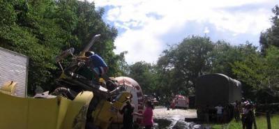 Un camión cisterna se estrelló contra dos vehículos de carga