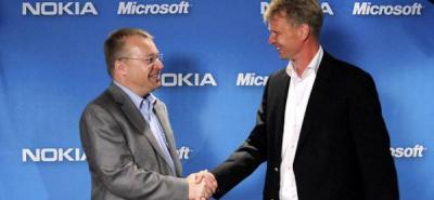 """Nokia y Microsoft sellaron un pacto """"para pensar diferente y ser diferentes"""""""