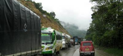 Bloquean vía a la Costa por protesta en sector La Esperanza